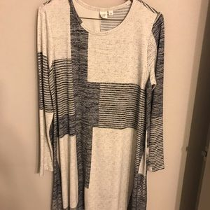 Sweater dress in gray and blue.